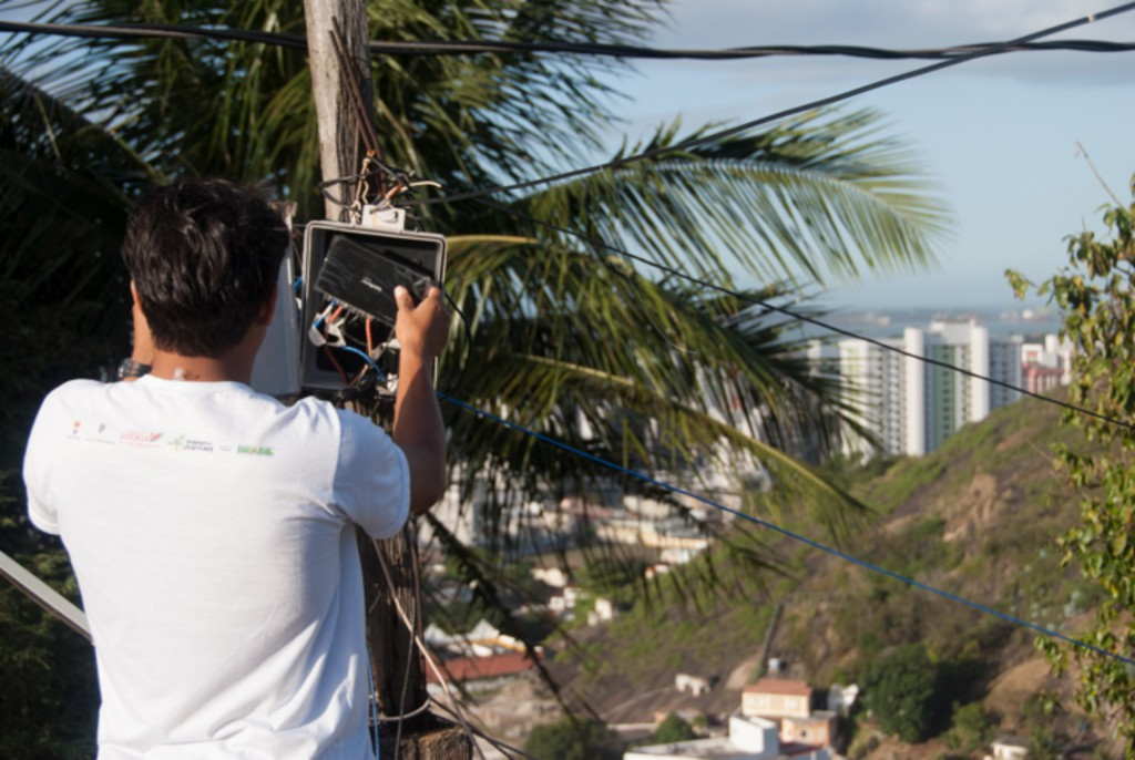 LAN house owner bringing Internet to the forgotten place. Photo by Leandro Recoba.