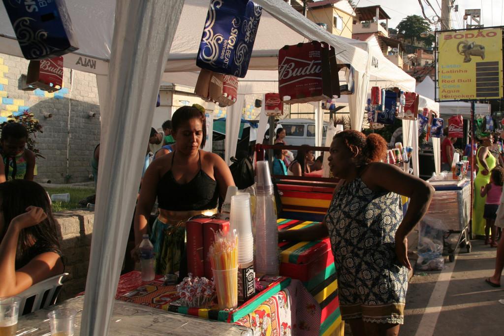 Providência's Street Vendors by Catalytic Communities, CC BY-NC-SA 2.0 via Flickr