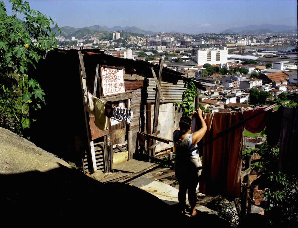 Favela x Asphalt by Day, Mauício Hora via flickr, CC BY-NC-SA 2.0